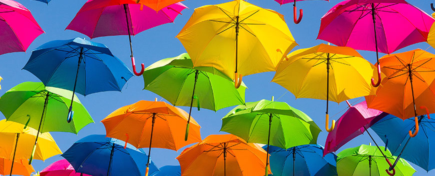 english-blog-how-to-write-a-PEEL-topic-sentence-lots-of-colourful-umbrellas
