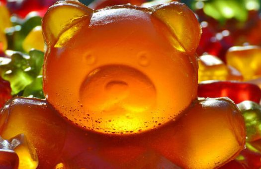 blog-english-literary-techniques-hyperbole-gummi-bear-banner.